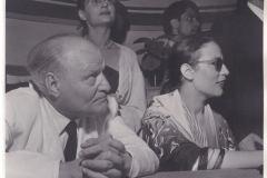Agenzia Dufoto, Anna Maria Ortese e Carlo Emilio Gadda al Premio Viareggio 1953. Premio ottenuto per Il mare non bagna Napoli ex aequo con le Novelle dal Ducato in fiamme